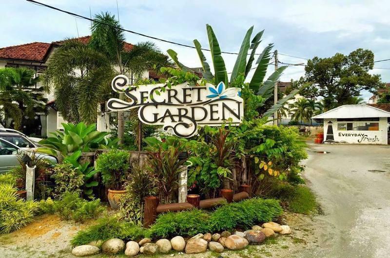 The Secret Garden Lovina Bali