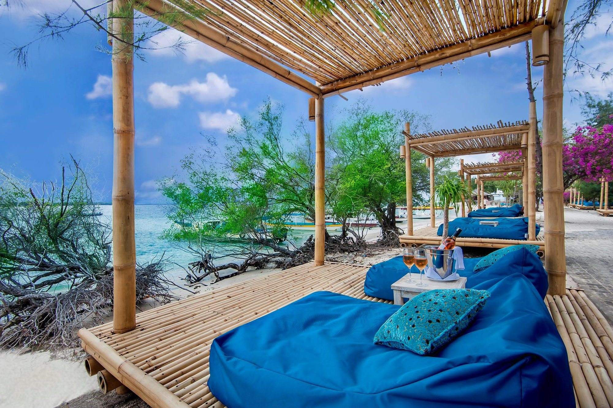 The 5 Bars You Need to Visit in Gili Meno