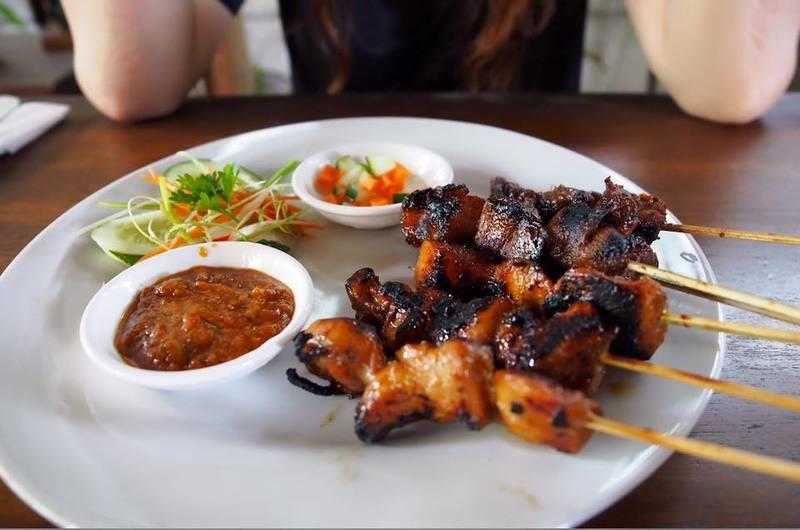 Warung Cikro - restaurants in Uluwatu, Bali