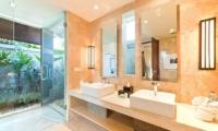 Akara Villas 3 En-suite Bathroom | Seminyak, Bali
