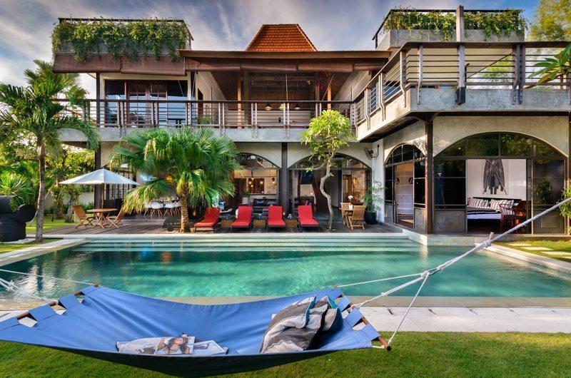 Niconico Mansion Sun Beds | Petitenget, Bali