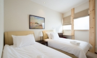 The Orchards Niseko Akagashi Twin Bedroom with View | St Moritz, Niseko