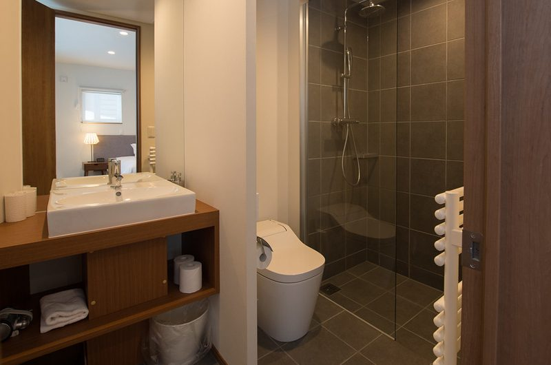 The Orchards Niseko Hinoki En-suite Bathroom | St Moritz, Niseko