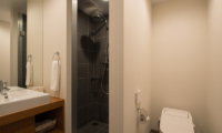 The Orchards Niseko Hinoki Bathroom | St Moritz, Niseko