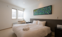 The Orchards Niseko Sawara King Size Bed with View | St Moritz, Niseko