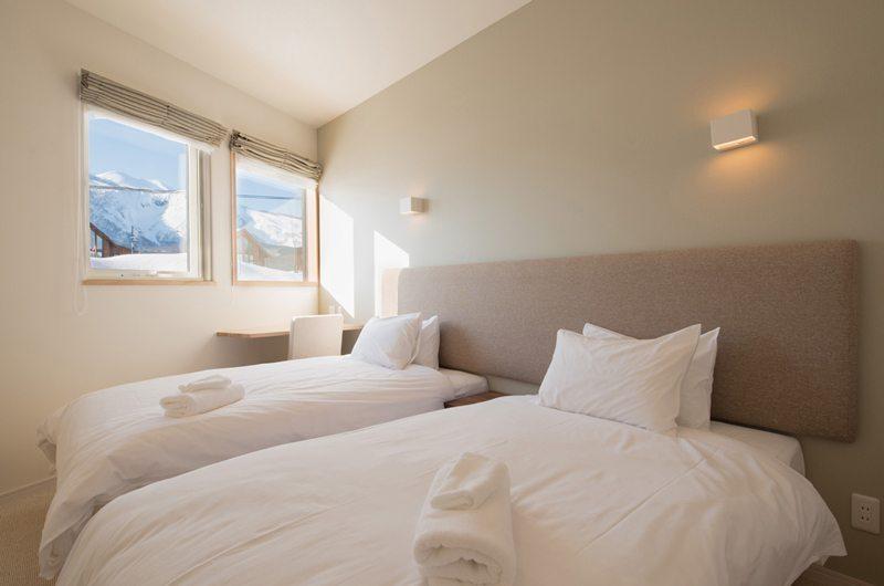 The Orchards Niseko Shion Twin Bedroom | St Moritz, Niseko