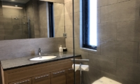 Yanagi House Bathroom One | Hirafu, Niseko