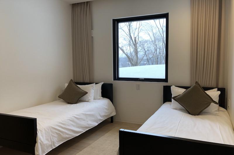 Yanagi House Twin Bedroom Area | Hirafu, Niseko