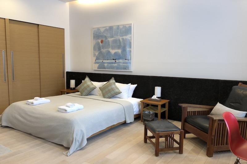 Yanagi House Bedroom with Seating | Hirafu, Niseko