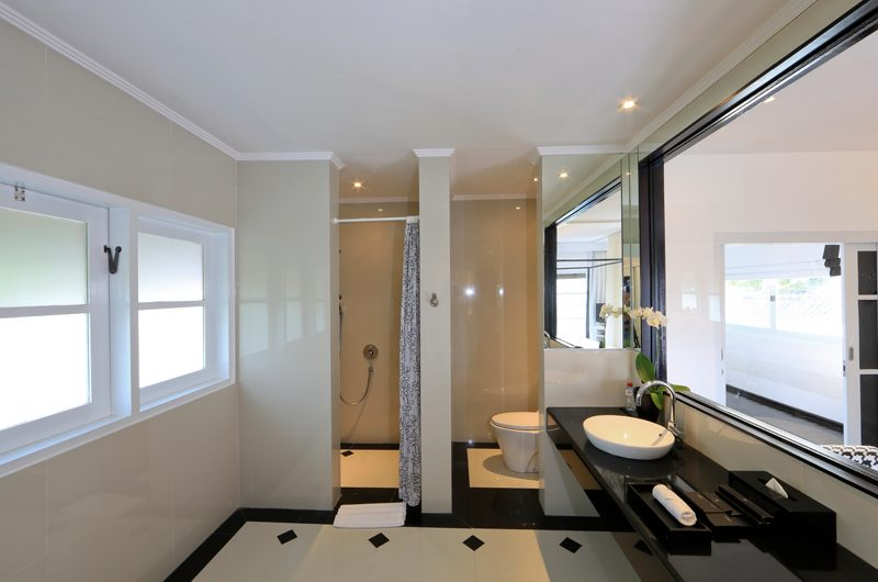 Four On Drupadi Villa Amore Bathroom | Bali, Seminyak
