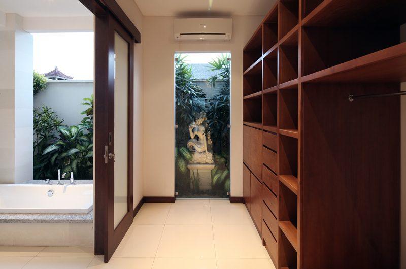 Villa Merayu Walk-In Wardrobe | Canggu, Bali