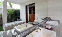 Villa Merayu En-suite Bathroom | Canggu, Bali