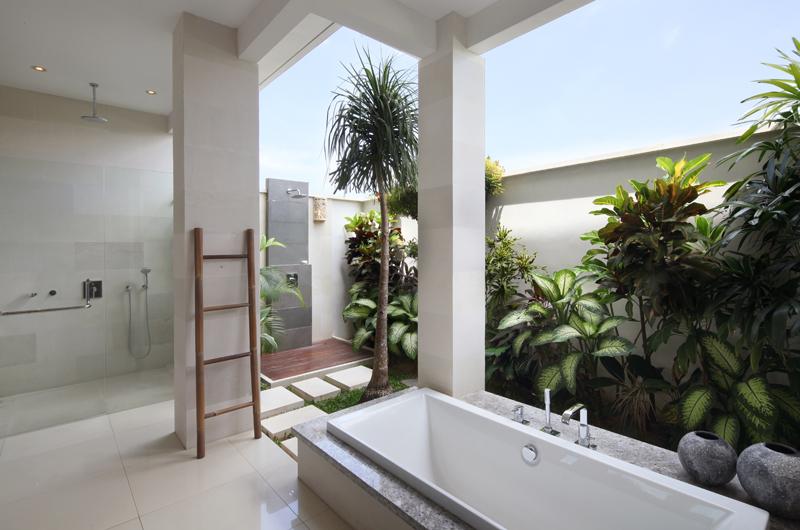 Villa Merayu Bathtub | Canggu, Bali