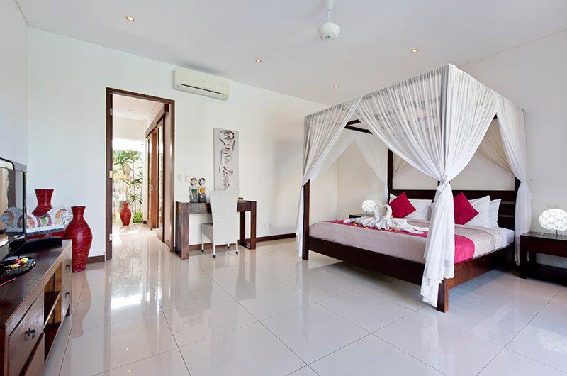 Villa Merayu Spacious Bedroom Area | Canggu, Bali
