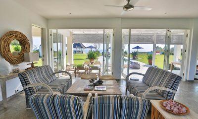 Villa Putih Indoor Living Area | Nusa Lembongan, Bali