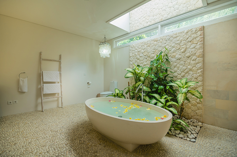 Villa Savasana Stone Bathtub | Canggu, Bali