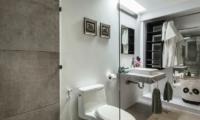 Baan Dalah Bathroom One | Bang Rak, Koh Samui