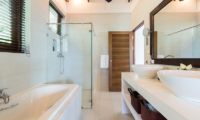 Secret Beach Villa Bathroom with Bathtub | Koh Pha Ngan, Koh Samui
