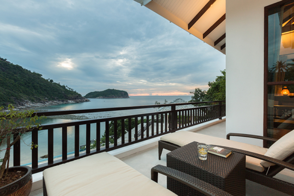 Secret Beach Villa Balcony with Sun Bed | Koh Pha Ngan, Koh Samui