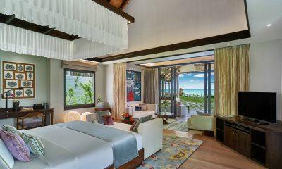 Jumeirah Vittaveli Royal Residence Bedroom with Sea View | Bolifushi Island, Maldives