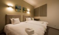 The Orchards Niseko Kuromatsu Twin Bedroom | St Moritz, Niseko