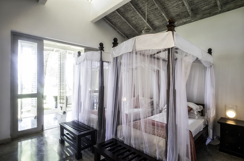Satin Doll Bedroom with Twin Beds | Galle, Sri Lanka