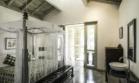 Satin Doll Bedroom and En-suite Bathroom | Galle, Sri Lanka