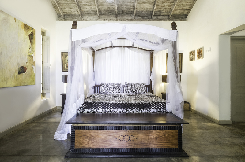 Satin Doll Spacious Bedroom with Seating Area | Galle, Sri Lanka
