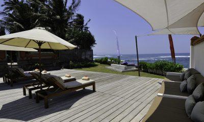Majapahit Villa Maya Reclining Sun Loungers | Sanur, Bali