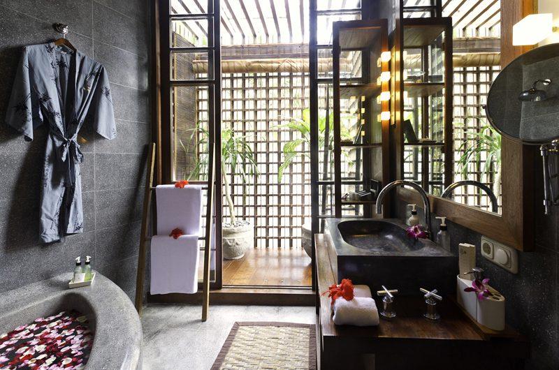 Majapahit Villa Raj Bathroom | Sanur, Bali