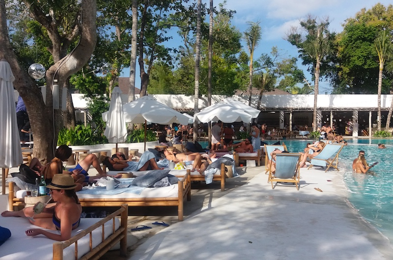 Bali Seminyak Mrs Sippy Day Beds