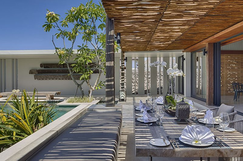 Sohamsa Ocean Estate Villa Hamsa Outdoor Dining with Pool View | Ungasan, Bali