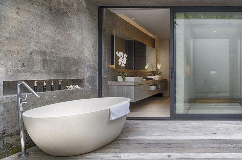 Sohamsa Ocean Estate Villa Hamsa Outdooor Bathtub | Ungasan, Bali