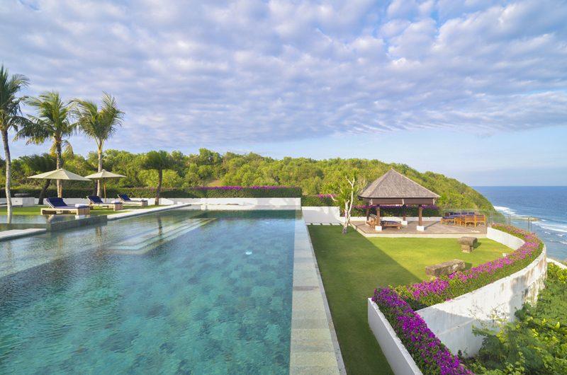 Villa Cahaya Swimming Pool   Ungasan, Bali