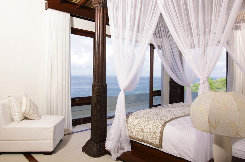 Villa Cahaya Bedroom and Balcony | Ungasan, Bali