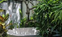 Villa Cantik Pandawa Outdooor Bathtub | Ungasan, Bali
