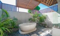 Villa Zanissa Villa Zack Outdooor Bathtub | Seminyak, Bali