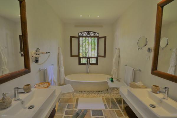 JH Villa Bathroom | Galle, Sri Lanka