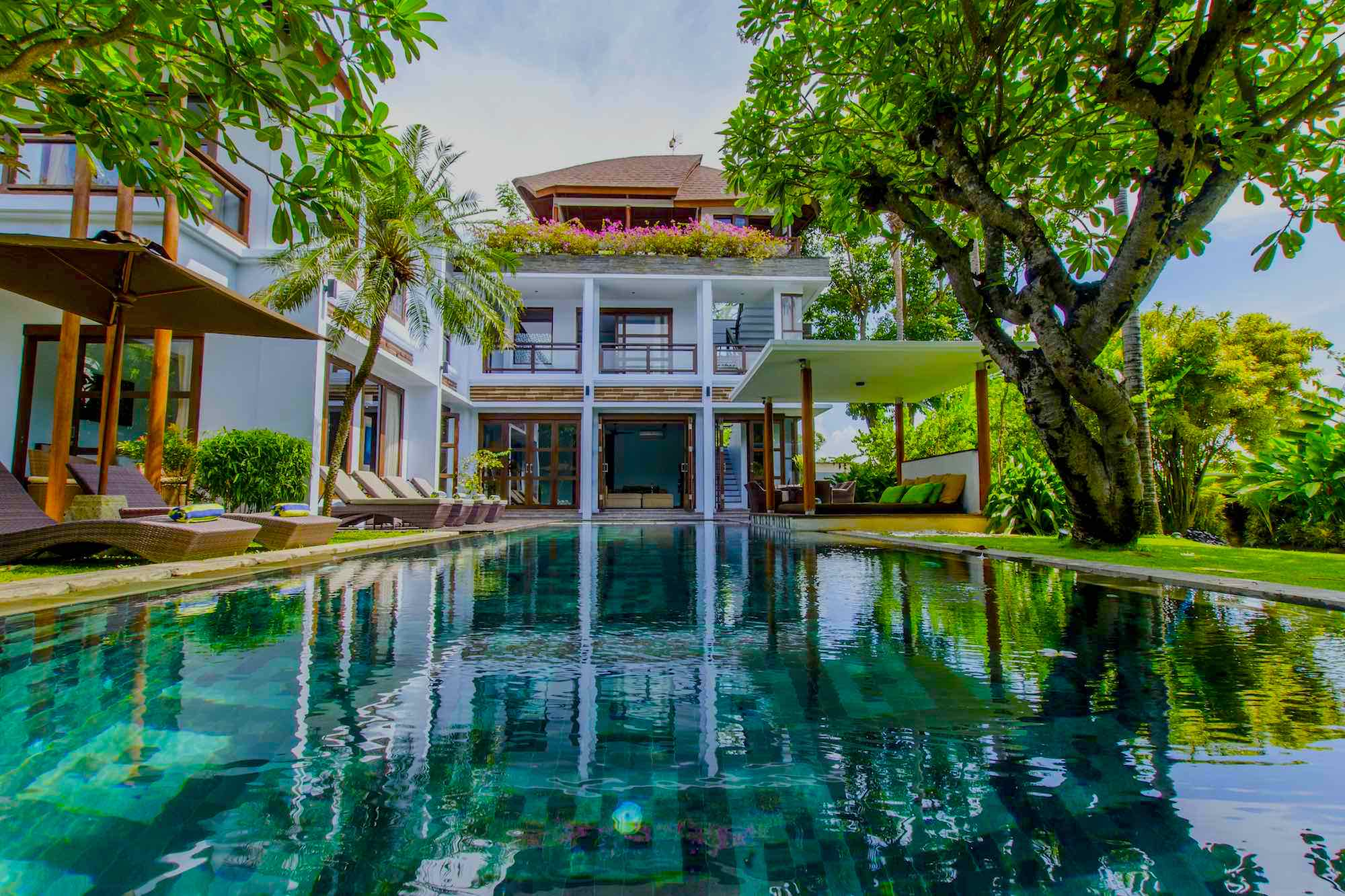 10 Canggu Villas Close to Batu Bolong Beach