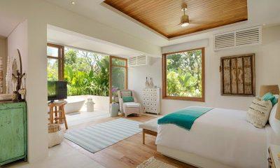 Villa Zambala Bedroom and En-suite Bathroom | Canggu, Bali