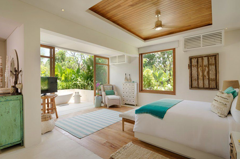 Villa Zambala Bedroom and En-suite Bathroom | Canggu, Bali