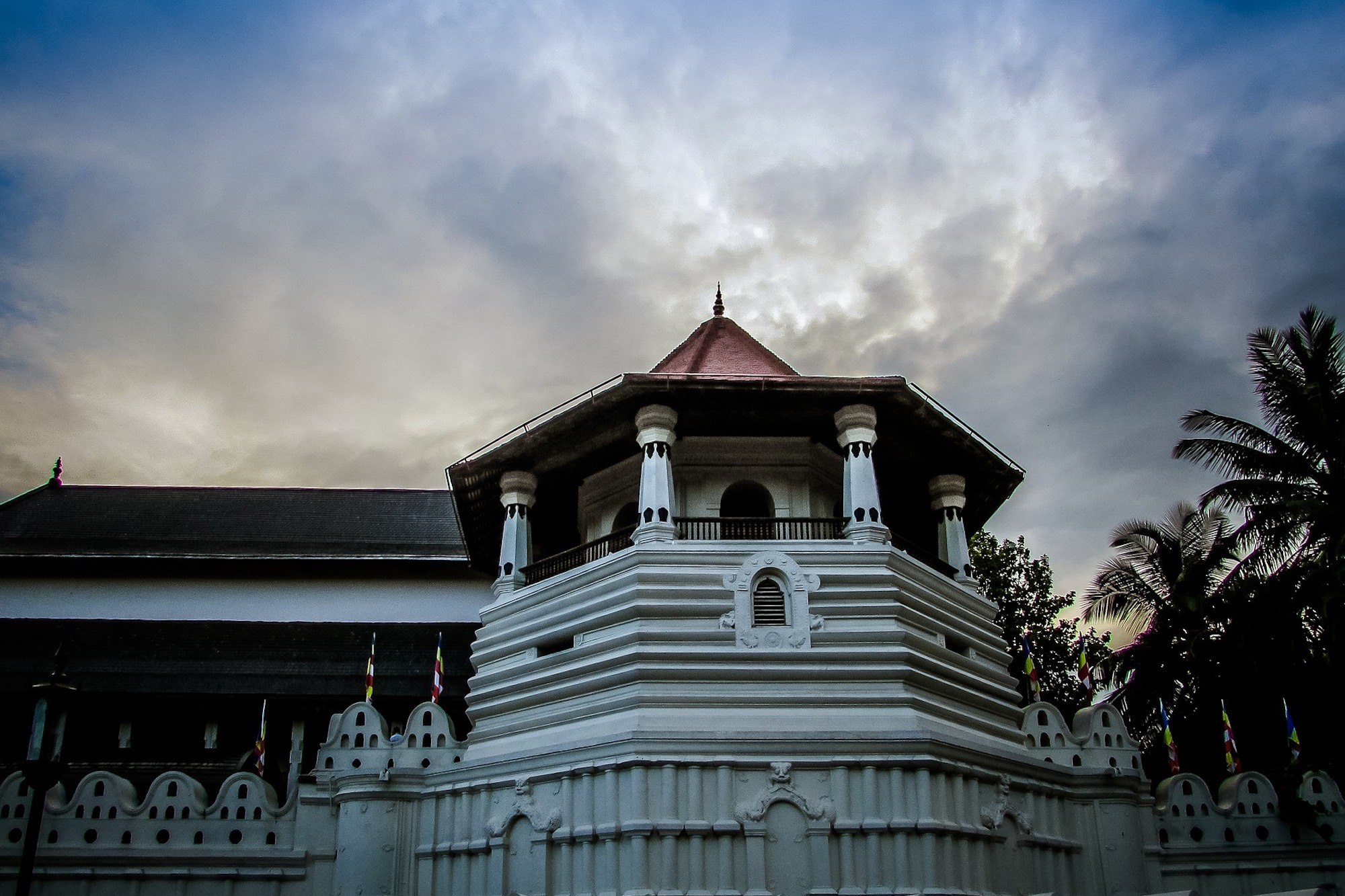 Exploring Kandy: Temple of the Tooth