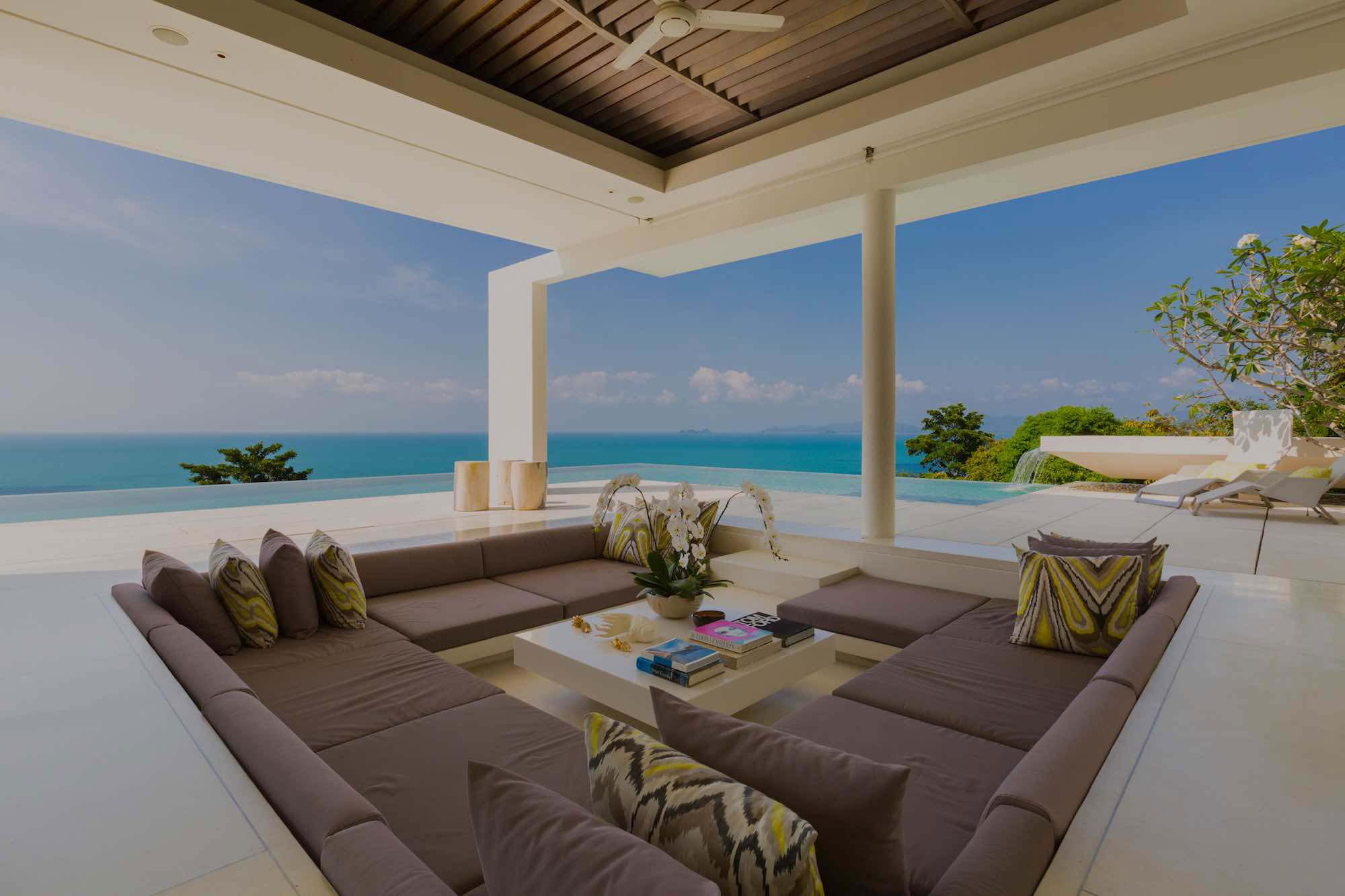 10 Villas with a Glamorous Sunken Lounge