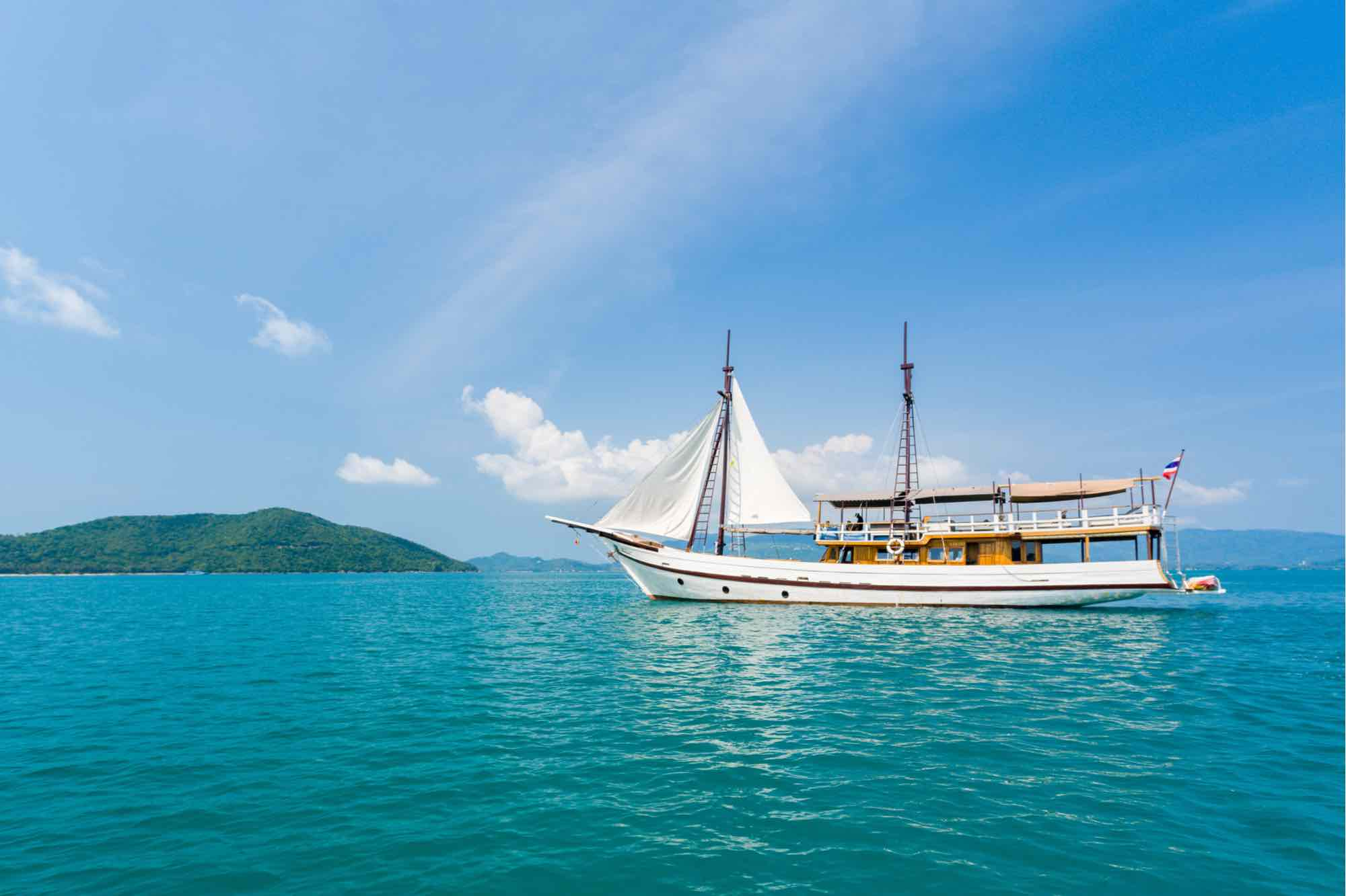 How to Rent a Yacht in Koh Samui
