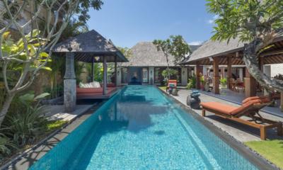 Des Indes Villas Villa Des Indes 2 Reclining Sun Loungers | Seminyak, Bali