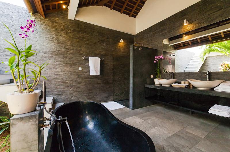 La Villa Des Sens Bali Bathtub   Kerobokan, Bali