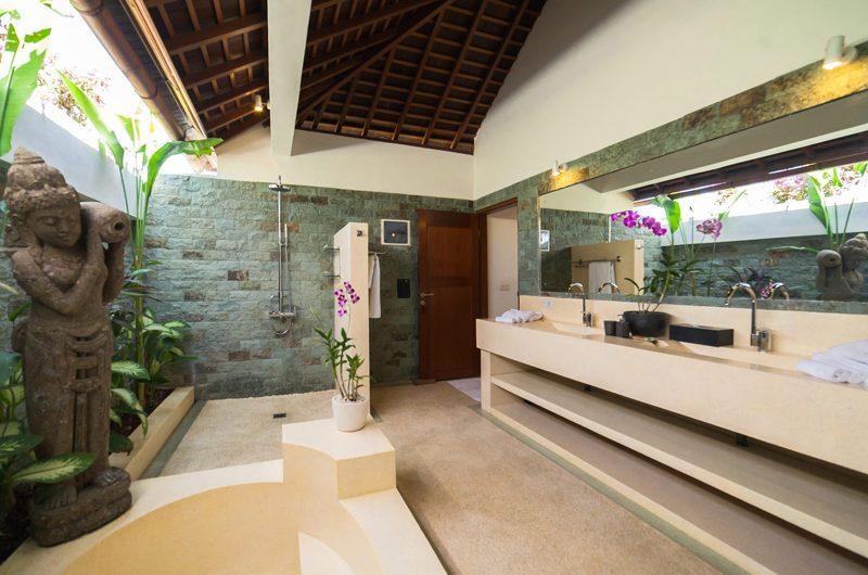 La Villa Des Sens Bali En-suite Bathroom   Kerobokan, Bali