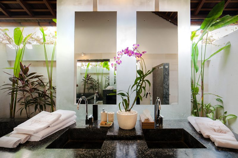 La Villa Des Sens Bali Bathroom   Kerobokan, Bali