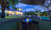 The Uma Villa Outdoor Dining Table | Canggu, Bali