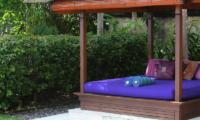 Villa Indah Manis Bulan Madu Pool Bale | Uluwatu, Bali